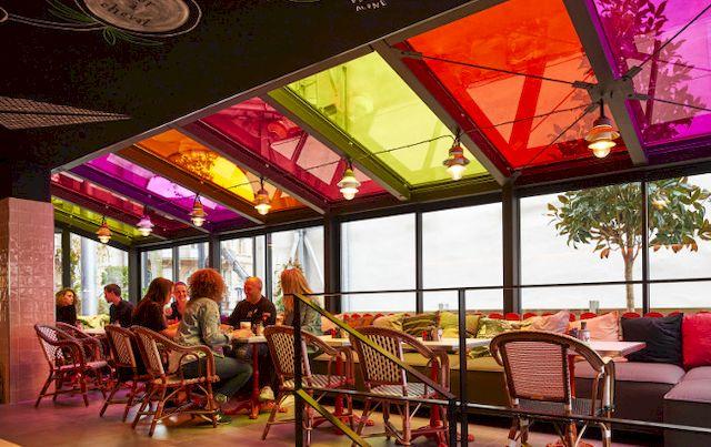 film décoratif couleur restaurant mama shelter toulouse