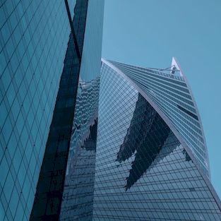 Façade immeuble avec film solaire anti chaleur