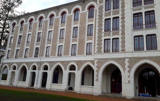 1200 m² de film isolant thermique au Grand Séminaire Richelieu (63)
